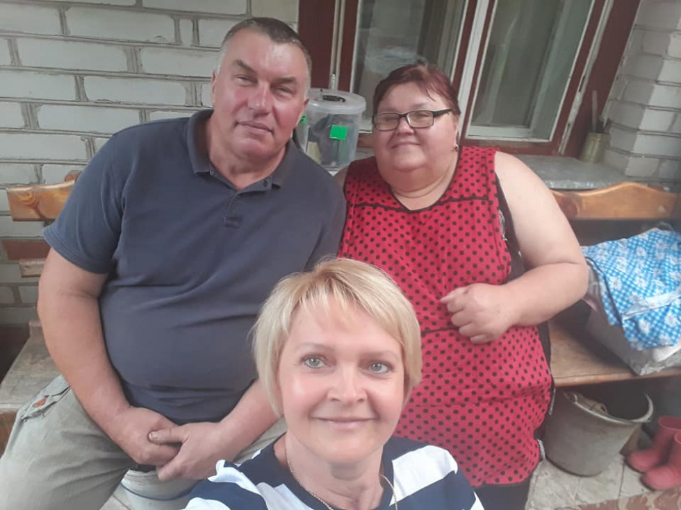 Твердохліб та подружжя Жуків з Новосілок