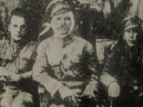 Житель Турійщини фотографувався з Василем Чапаєвим
