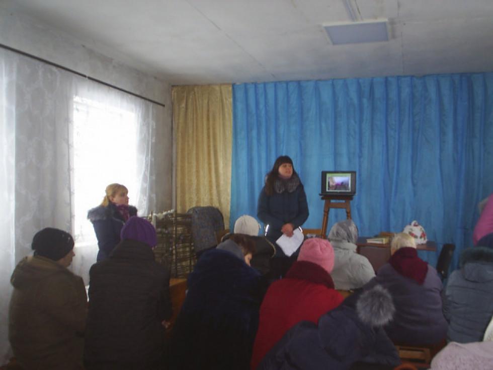 Працівники Територіального центру соціального обслуговування провели систему заходів для турійських пенсіонерів.