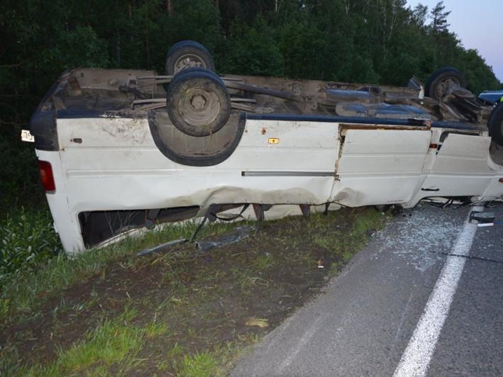 На автодорозі Ковель-Ягодин поблизу села Туровичі автомобіль злетів у кювет