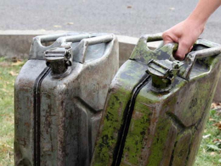 Вночі у місцевого жителя зникло 40 літрів дизельного палива