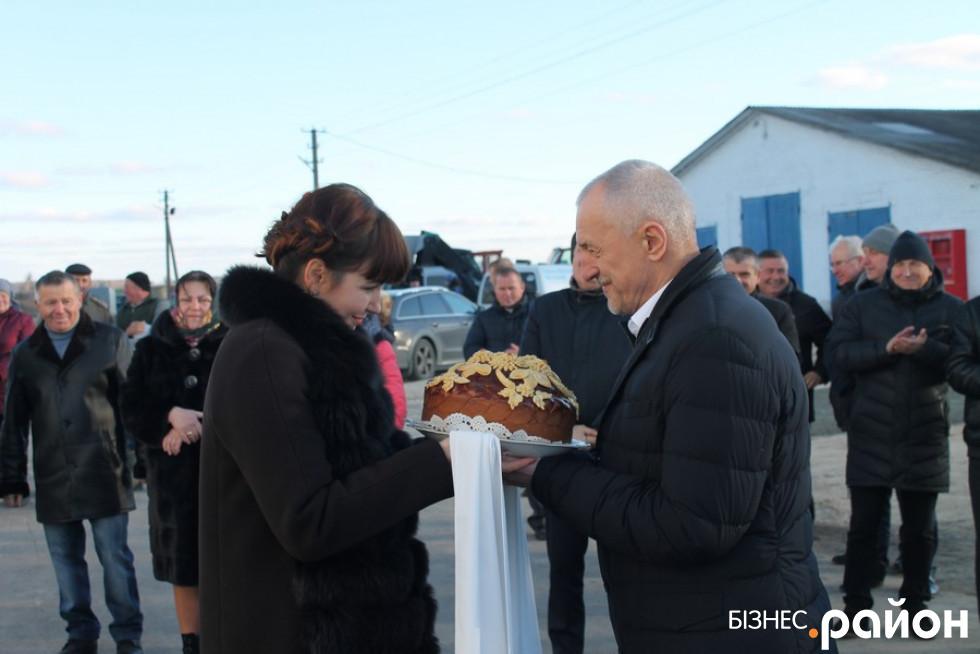 Голові Волинської ОДА подарували святий хліб - коровай