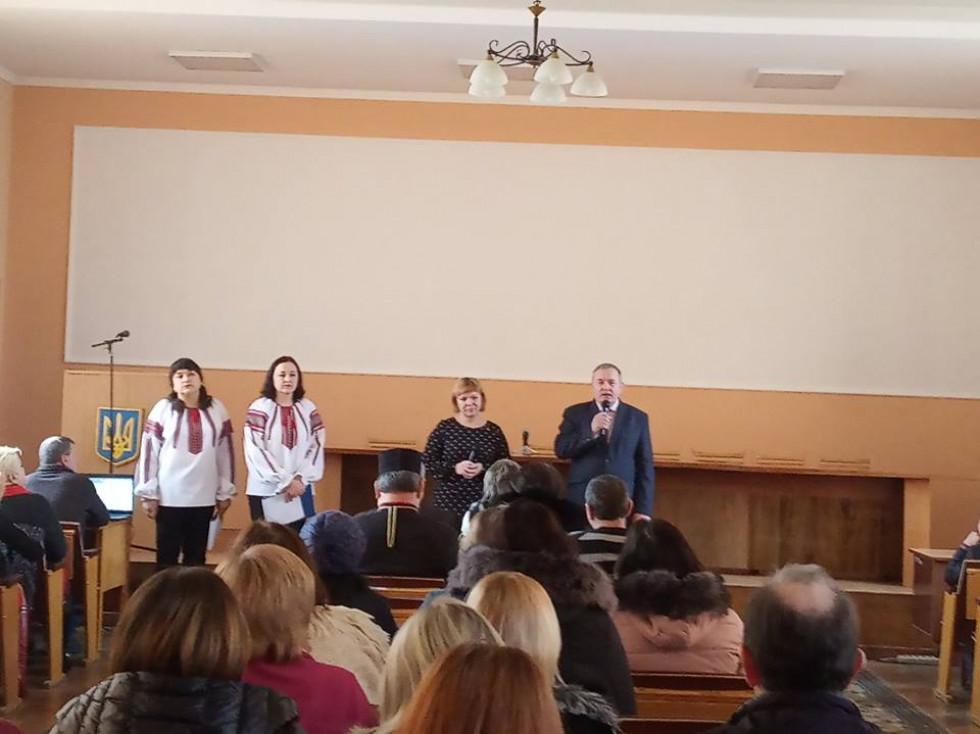 Хвилиною мовчання вшанували пам'ять всіх, хто загинув уборотьбі за Україну