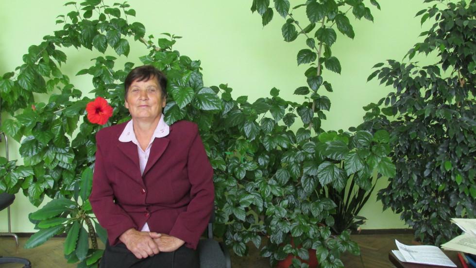 Жінка багато років пропрацювала у районній друкарні, а нині є активною парафіянкою Свято-Троїцького храму