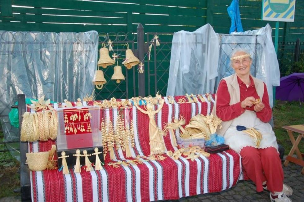 Валентина Якимович бере участь у численних виставках, ярмарках  та фестивалях
